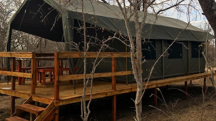 Marlothpark Akkommodasie by Hooves and Paws Safari Bush Camp | LekkeSlaap