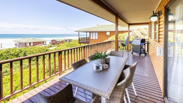 by Dwarswegstrand Beach House | LekkeSlaap