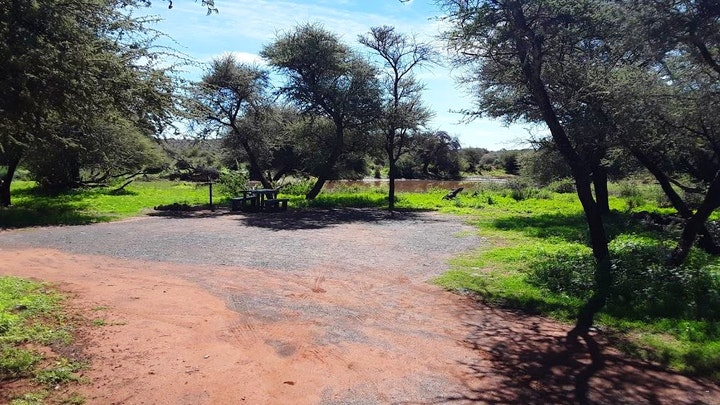Bo-Karoo Akkommodasie by SANParks Motswedi Camp Site   LekkeSlaap