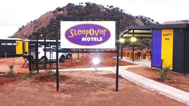 by SleepOver Motels Matoks | LekkeSlaap