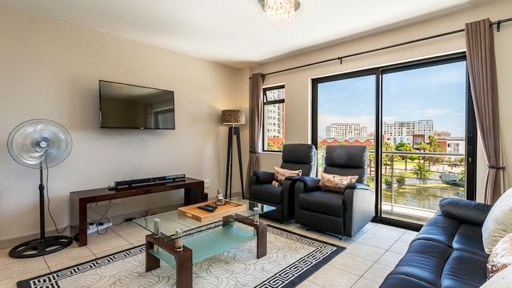 by LAVIRA - Luxurious 1 Bedroom Apartment 202W | LekkeSlaap