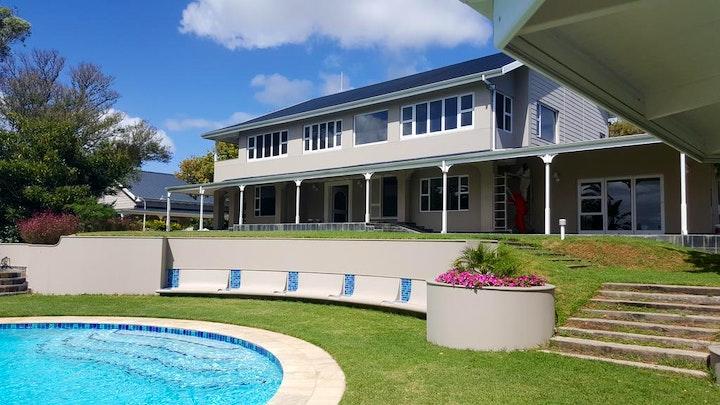 Port Elizabeth Akkommodasie by Broughton Country Estate | LekkeSlaap