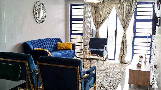 by Zarlush Modern Apartment   LekkeSlaap