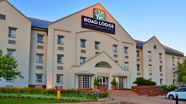 by Road Lodge Potchefstroom | LekkeSlaap