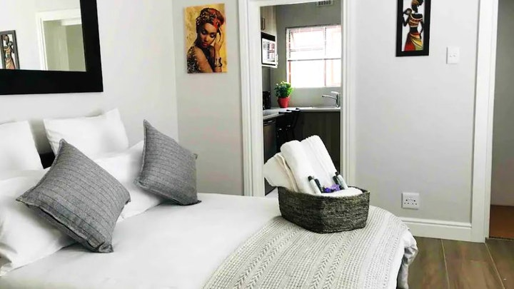 Cape Town CBD Accommodation at A Little Piece of Artois on Dean | TravelGround