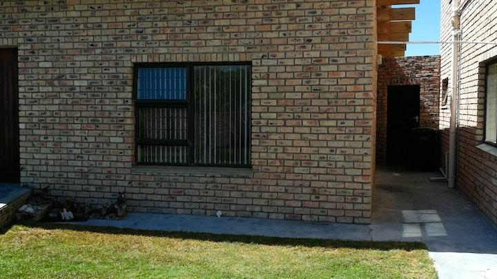 Suiderstrand Akkommodasie by StyweLyne Accommodation | LekkeSlaap