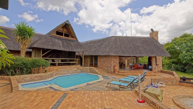 at Entokozweni Game Lodge   TravelGround