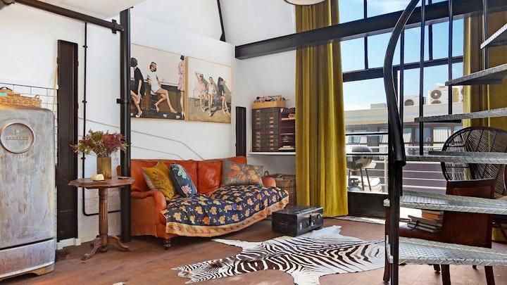 City Bowl Accommodation at Wolroy House 506 | TravelGround