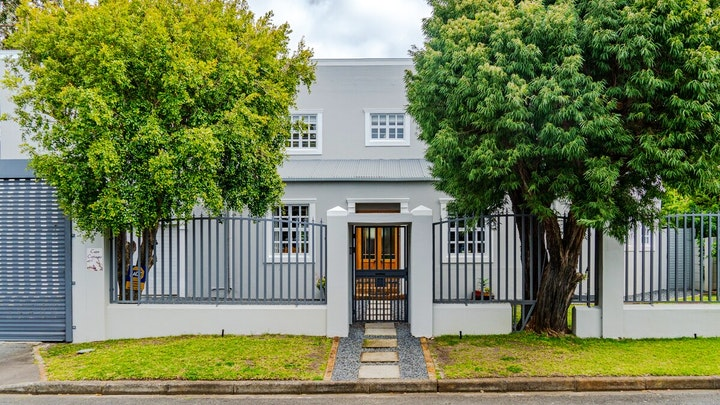 by Cape Cottages | LekkeSlaap
