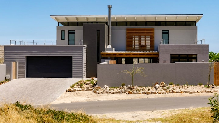 Scarborough Accommodation at One Hilltop | TravelGround