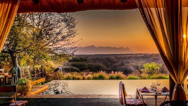 by Khaya Ndlovu Manor House | LekkeSlaap