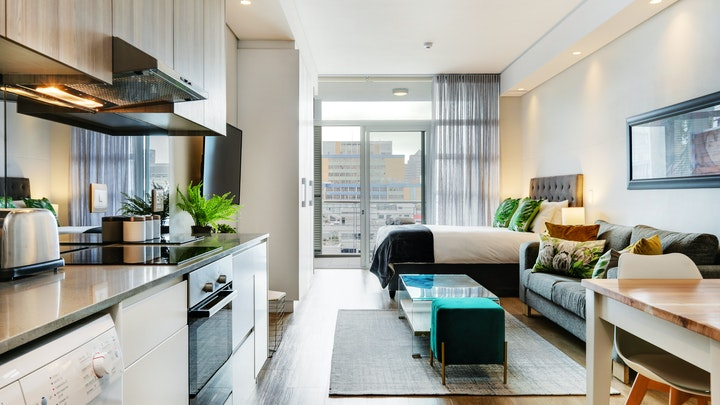 Kaapstad Middestad Akkommodasie by Eco Balcony Apartment 1006 | LekkeSlaap