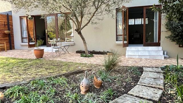 by Olive Branch Cottage | LekkeSlaap