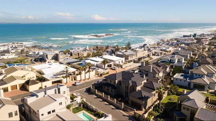 Bloubergstrand Accommodation at Abalone Exclusive Apartment | TravelGround