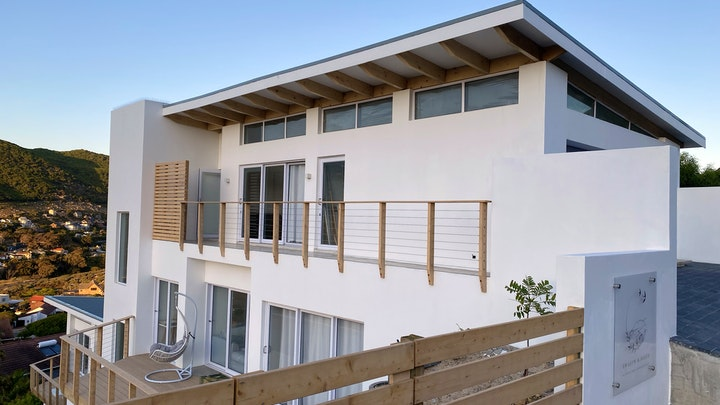 Glencairn Heights Accommodation at Zwaluw & Fleur Oopplan Woonstelle   TravelGround