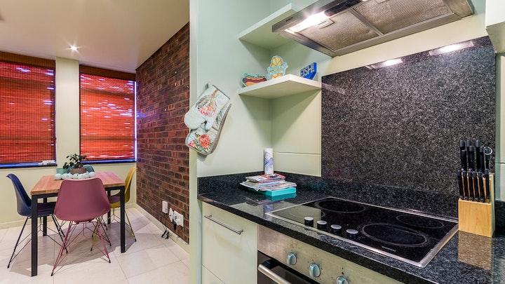 Cape Town CBD Accommodation at 801 St Georges Corner | TravelGround