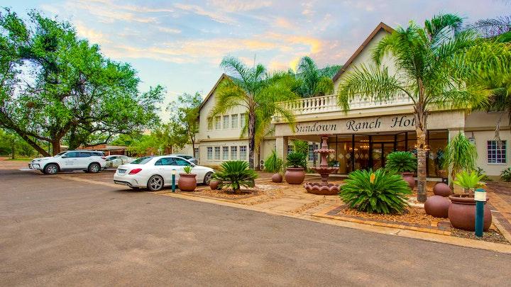 by Sundown Ranch Hotel | LekkeSlaap