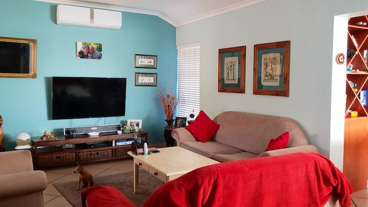 Van Riebeeckstrand Akkommodasie by 108 Holiday Home | LekkeSlaap