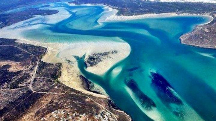 Calypso Beach Akkommodasie by Sunset Estate Guest Suite | LekkeSlaap