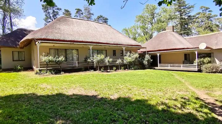 by Oaksprings Country House & Campsites   LekkeSlaap