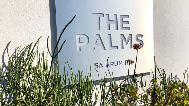 by The Palms | LekkeSlaap
