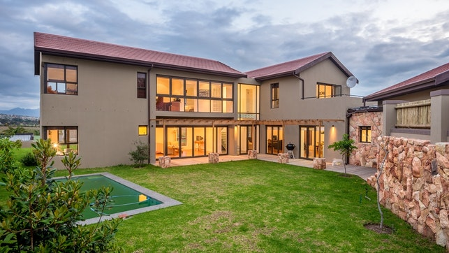at Cape Winelands Holiday Home | TravelGround