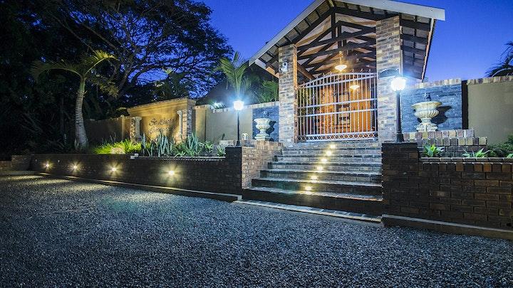 by St Lucia Livingston Lodge | LekkeSlaap