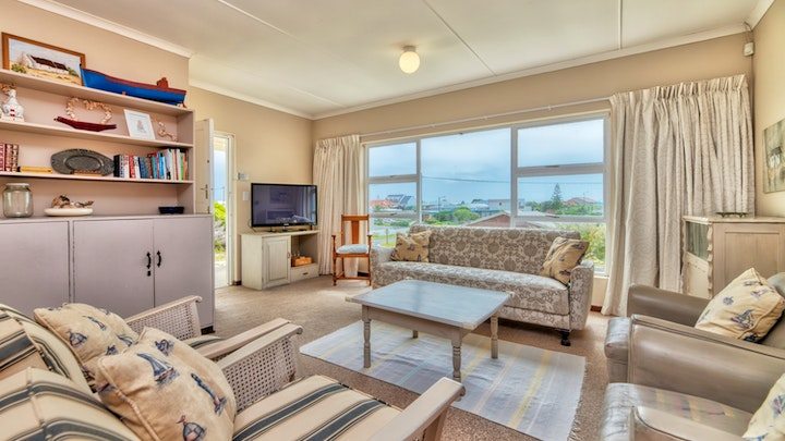 Struisbaai Accommodation at Blouvinstraat 24 | TravelGround