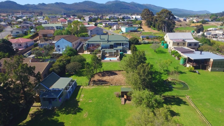 Caledon Accommodation at Town and Country | TravelGround