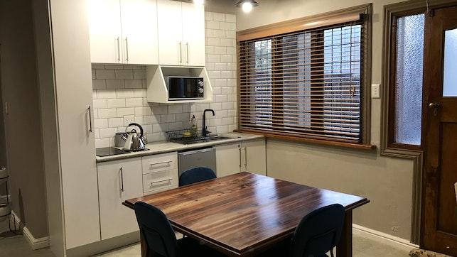 by Oliveira Self-catering Apartment | LekkeSlaap