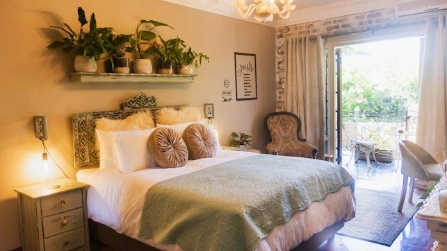by La Casa Nostra Villa Rose Garden   LekkeSlaap