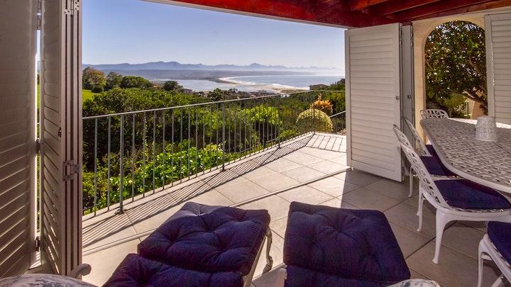 Plettenberg Bay Accommodation at Plettenberg Bay - Donomekilu House   TravelGround