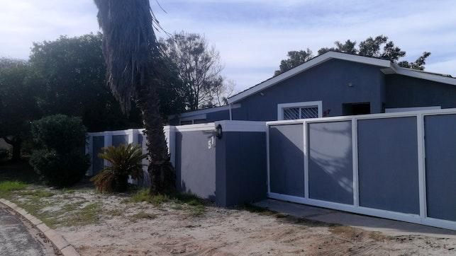 by Cape Pine Guest House | LekkeSlaap