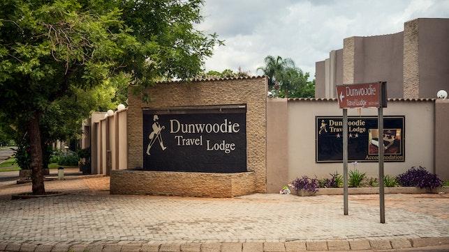by Dunwoodie Travel Lodge | LekkeSlaap