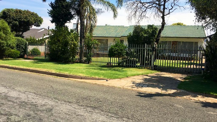 West Rand Accommodation at Ron Bed and Breakfast | TravelGround