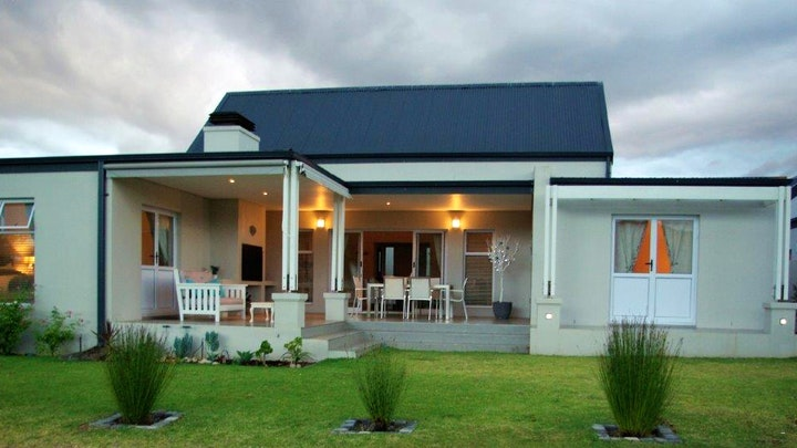 Robertson Accommodation at Private Modern House on Golf Estate | TravelGround