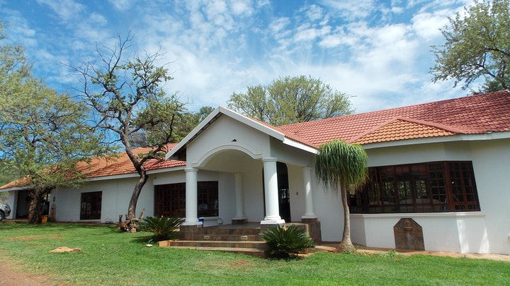 by The Stables Country Lodge | LekkeSlaap