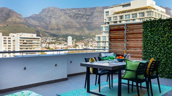 Kaapstad Middestad Akkommodasie by Table Mountain Apartment 1108 | LekkeSlaap