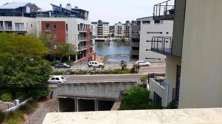 Bellville Akkommodasie by Tyger Waterfront Luuks en Sentraal | LekkeSlaap