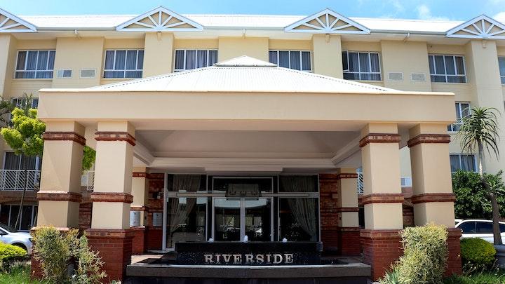 by The Riverside Hotel   LekkeSlaap