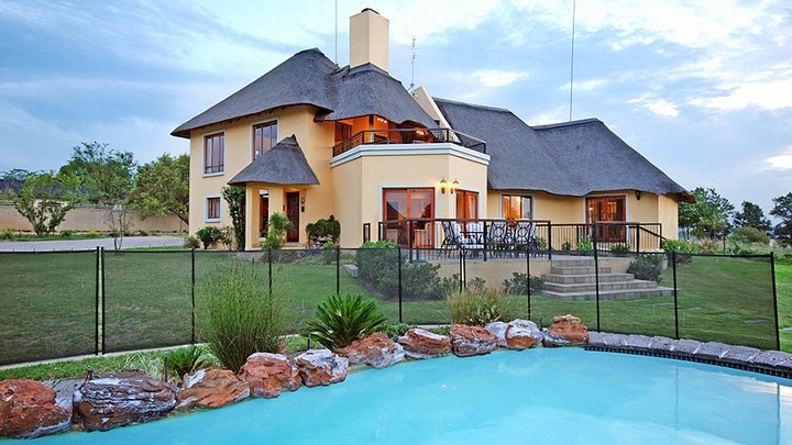 Chartwell Accommodation at Hoopoe Haven Guest House | TravelGround