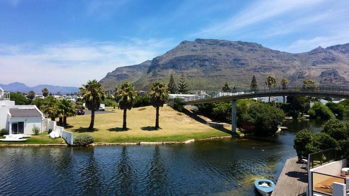 Marina Da Gama Accommodation at Tranquil Waters | TravelGround