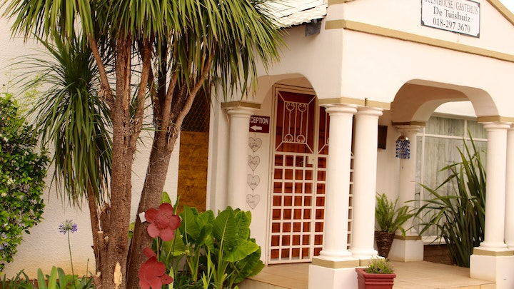 Potchefstroom Central Accommodation at De Tuiz Huis Guest House | TravelGround