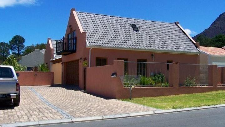 by Fynbos Holiday House | LekkeSlaap