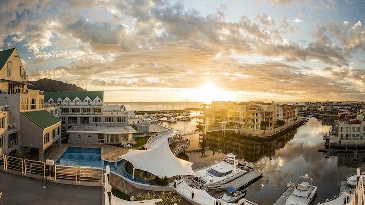 by Krystal Beach Hotel | LekkeSlaap