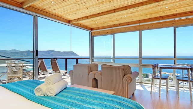 by Penguins View Guesthouse | LekkeSlaap