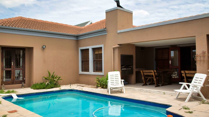Parklands Accommodation at WLKom Guest House | TravelGround