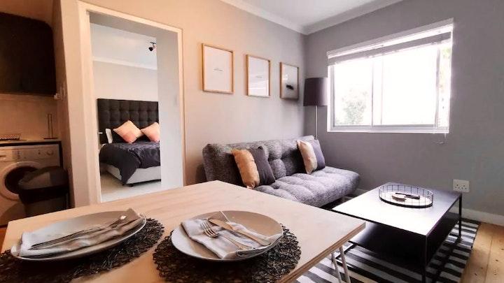Oranjezicht Accommodation at St Quintons Apartment | TravelGround