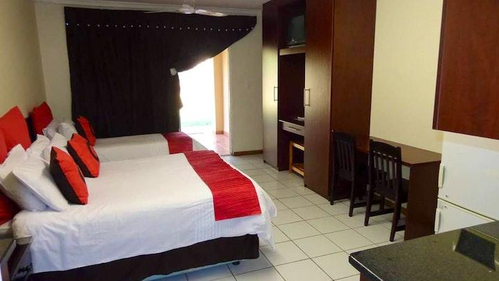 Rustenburg Town Akkommodasie by Stop 'n Stay Lodge | LekkeSlaap