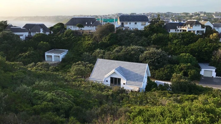 St Francis Bay Accommodation at Cottage on Anne Avenue | TravelGround